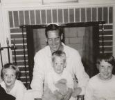 Dad with kids, Frane Lane - Leslie R